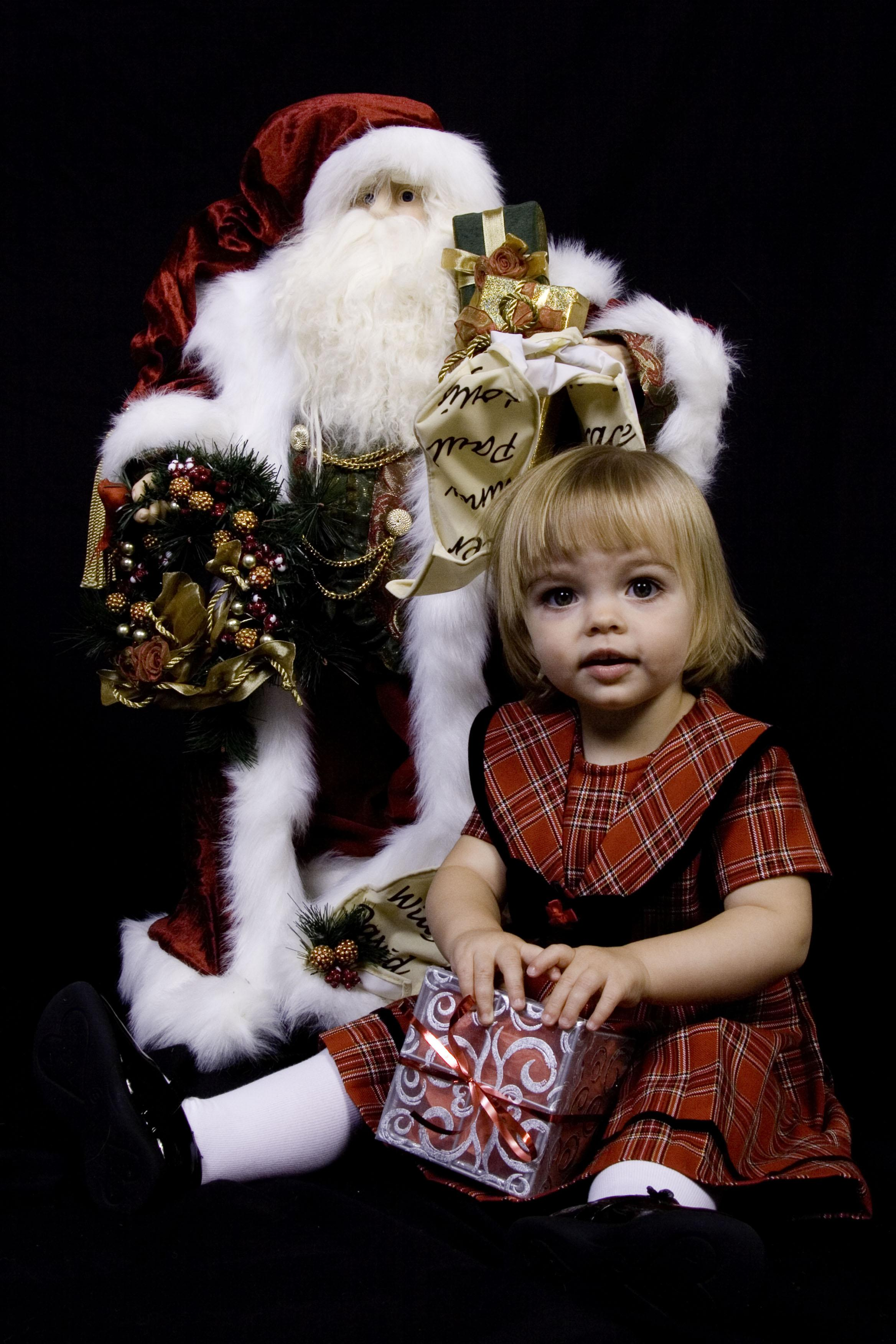6 Simple yet Useful Tips in Shooting the Best Christmas Photos Ever 7